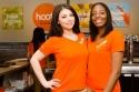 Már nem a nagykeblű lányokkal hódít a Hooters 'kistestvére' a Hoots